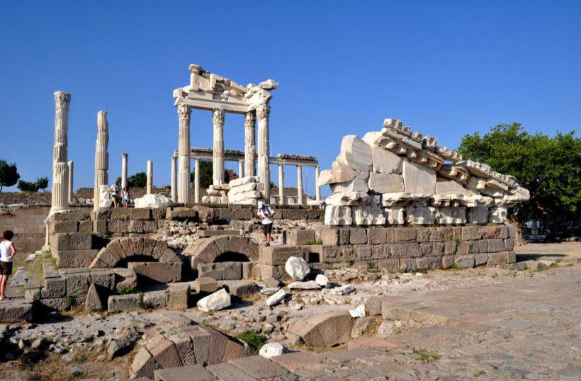 pergamon-acropolis