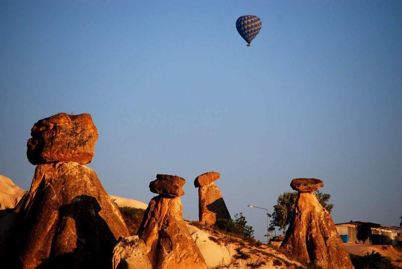 cappadocia-Balloon-Fairy-Chimneys-1200×803
