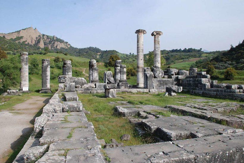 temple_of_artemis_sardis_turkey-1400×900